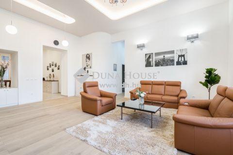 Eladó Lakás, Budapest - Körúton Frissen felújított és bútorozott 4 szobás