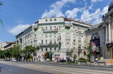 Eladó Lakás, Budapest 13. kerület - *MINŐSÉGI FELÚJÍTÁS KÖZVETLENÜL A VÍGSZÍNHÁZNÁL!*