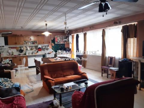 Eladó Ház, Somogy megye, Ságvár - Nagyléptékben álmodóknak