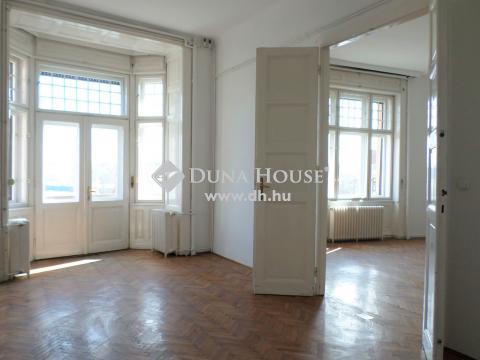 Kiadó Lakás, Budapest 13. kerület - Váci út, 1. emeleti, erkélyes, utcai lakás felújított házban