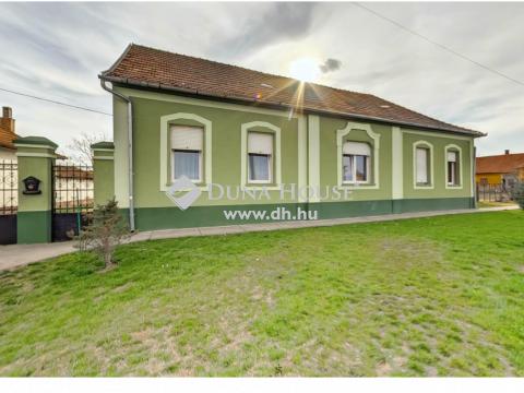 Eladó Ház, Bács-Kiskun megye, Fülöpszállás - Falusi CSOK-ra alkalmas igényesen felújított családi ház.