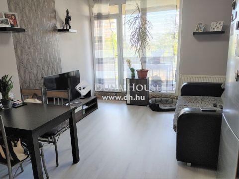 Eladó Lakás, Budapest - Újszerű két szobás lakás lakóparkból, nagyméretű terasszal