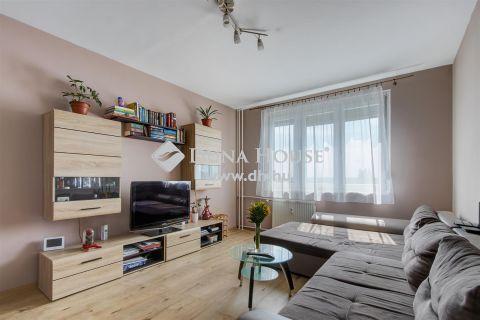 Eladó Lakás, Budapest 15. kerület