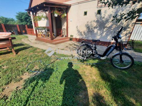 Eladó Ház, Bács-Kiskun megye, Kiskunfélegyháza - Kertvárosi ház 350 m2-es portával