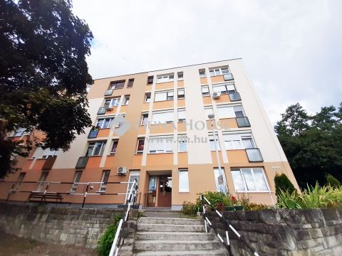 Eladó Lakás, Komárom-Esztergom megye, Tatabánya - Tatabánya városközpontban, tehermentes lakás eladó