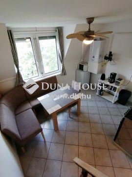 Eladó Lakás, Zala megye, Hévíz - Fektessen ingatlanba! Liftes házban eladó újszerű 2 szobás lakás!